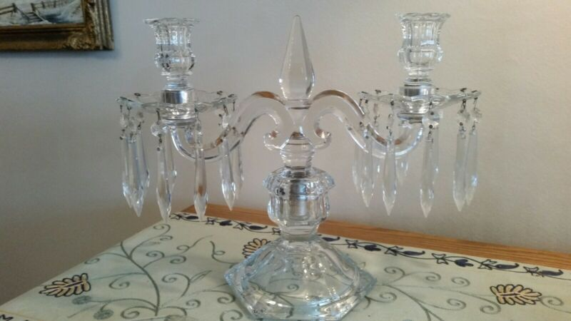 1 Antique Heisey Williamsburg P. Candelabra With Lead Crystal Prisms 11 tall