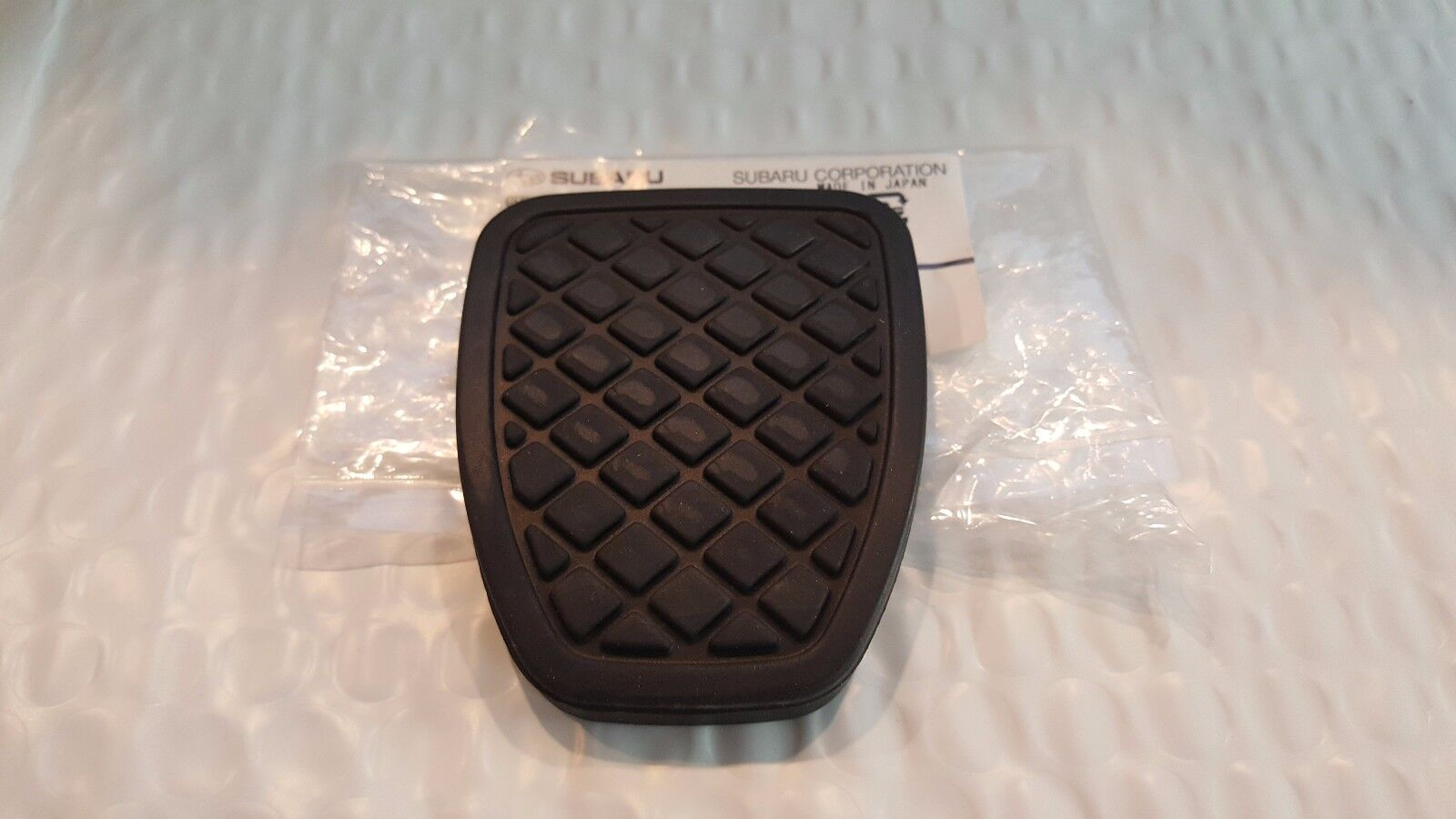 GENUINE OEM 2PCS BRAKE /& CLUTCH PEDAL PAD RUBBER COVER FOR SUBARU FORESTER MT