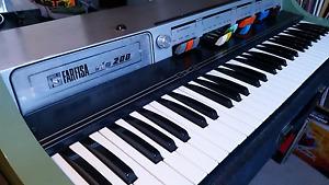 Farfisa VIP 200 combo organ