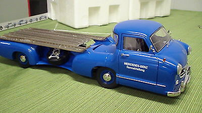 CMC 1/18 scale Diecast M-036 Mercedes Benz 1954 Renntransporter w/box +++