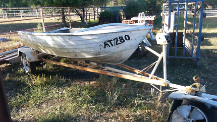 Alloy  12ft stacer boat and trailer
