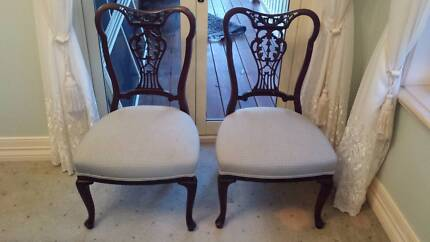 Mahogany Queen Anne Bedroom Chairs Cedar Creek Gold Coast North Preview