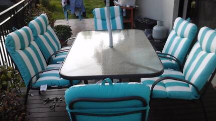 Outdoor dining Sylvania Waters Sutherland Area Preview