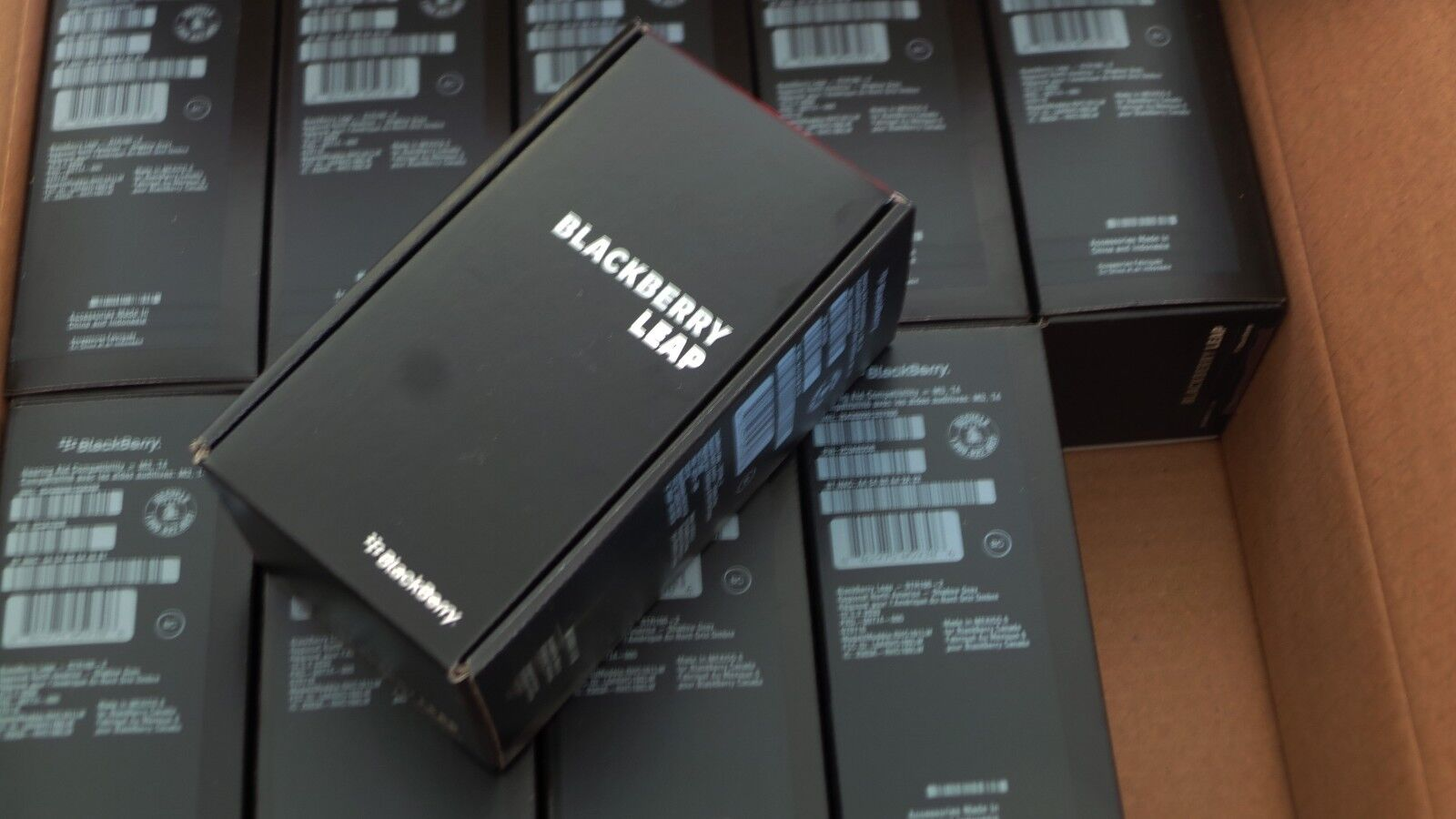 Lot of 10 -NEW UNLOCKED BlackBerry LEAP STR100-2 GSM 16GB 4G LTE 8MP QWERTY GRAY