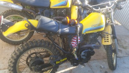 Suzuki dr 250 s  1982/83 wrecking selling parts