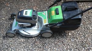 Lawn mower 4 stroke briggs and stratton mower viking North Richmond Hawkesbury Area Preview