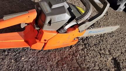 Husquvarna 36 chain saw ,,,first pull start,,great working condit