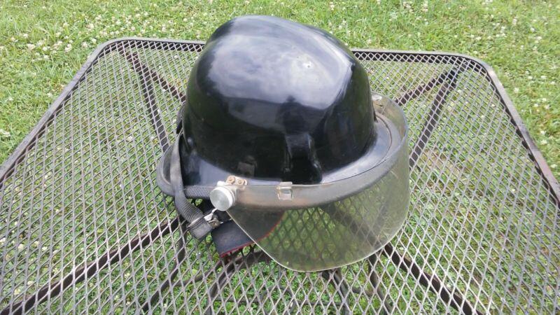 vintage cairnes fire fighter helmet model 770