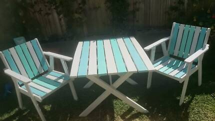 Outdoor Table and Chairs repainted in Shabby Chic Beachy Chic