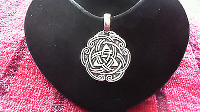 Celtic Peace Knot Pewter Pendant Necklace! New Made in USA Triquetra Irish Welsh