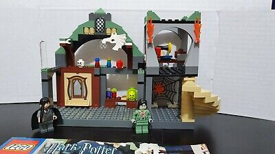 Lego Harry Potter Professor Lupin's Classroom Set 4752