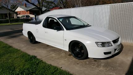 VZ Commodore ute 6 speed
