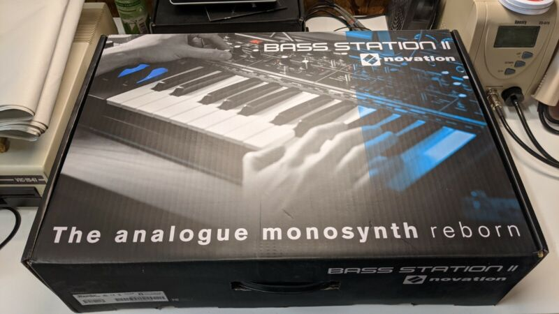 Novation bass station ii - In Box Mint Condition