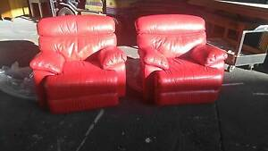 LA Z BOY LAZY BOY  LAZYBOY LUXOR LEATHER RED RECLINING CHAIRS Sumner Brisbane South West Preview