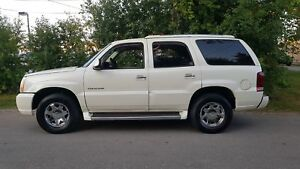 2006 Cadillac Escalade 7 SEATER  P.Leather  seats,P.Sunroof,Cert