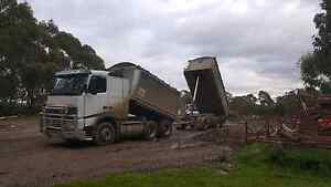 2002 volvo fh12 truck and dog combo Cranbourne Casey Area Preview