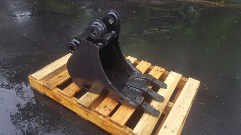 "New 12"" Komatsu Pc30 Heavy Duty Excavator Bucket"