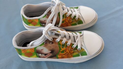 Soyoto Canvas Zip-On Cover Sneakers Donkey from Shrek Movie Size 7 Pre-owned