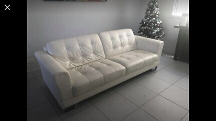 Natuzzi Leather Lounge (SOLD Pending Pick-up) Northgate Port Adelaide Area Preview