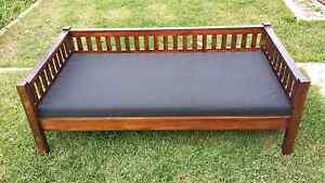 Day bed excellent condition Eden Hill Bassendean Area Preview
