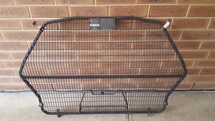 Holden cargo barrier
