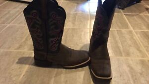 Ariat ladies cowboy boots
