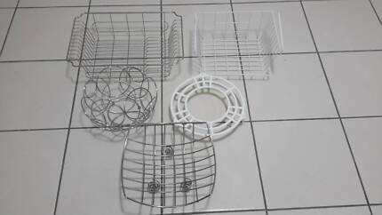 5 Assorted kitchen items: fruit bowl, dish dryer, storage shelf