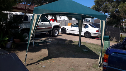 Portable shade great condition $ 50