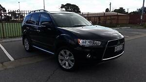 Black 2011 Mitsubishi Outlander VR-X Luxury model- Mint condition Clearview Port Adelaide Area Preview