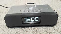 USED  iHome iD91 Docking Station For iPhone iPad iPod Alarm Clock Radio