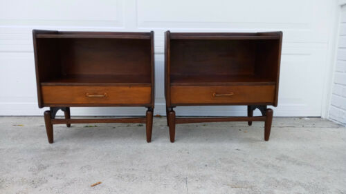 Pair Of Vintage Mid Century Eames Style Era Wood End Tables Night Stands