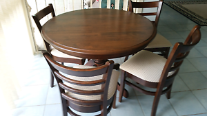 SMALL FORMAL DINING TABLE Heritage Park Logan Area Preview