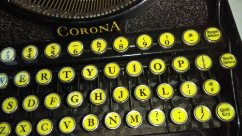 Antique Typewriter Smith Carona with Case Black great keys - good working order