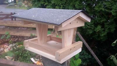 Vogelfutterhaus aus Holz, Futterhaus, Vogelhaus 32x30x22 cm, Holz-futterhaus