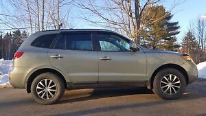 EXCELLANT CONDITION HYUNDAI SANTA FE