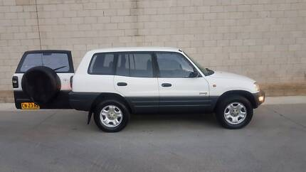Auto Toyota Rav4.....4 x 4.....Perfect For Backpackers....