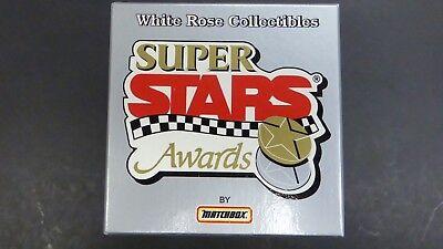 Jeff Gordon  24 Dupont 1995 Points Champion Matchbox White Rose Collectibles 1 6