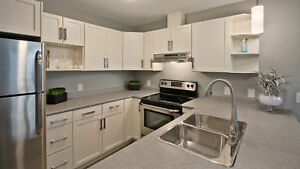 MODERN 3 BEDROOM SUITE IN NIVERVILLE WITH LARGE BALCONY!