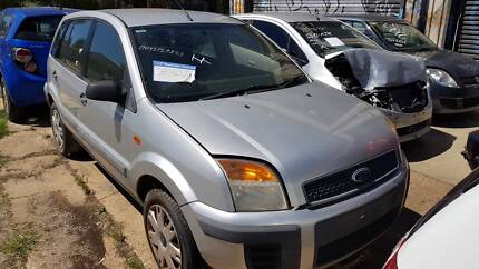 297-1 FORD FUSION 2006 HATCH SILVER MANUAL 1.6 NOW WRECKING