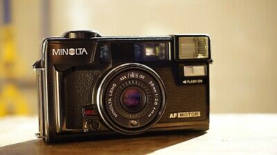 Minolta Hi-matic AF2-MD 35mm point and shoot camera