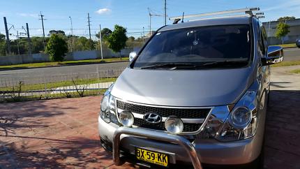 HYUNDAI ILOAD 2013 (6 seater)
