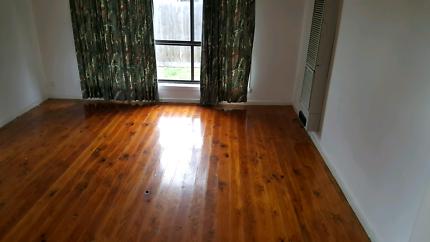 2 bedroom unit for rent $1400 per month