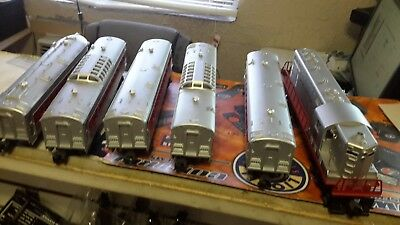 Lionel Trains Diesel Loco With Horn GP-7 Passenger Set Burlington 1562W