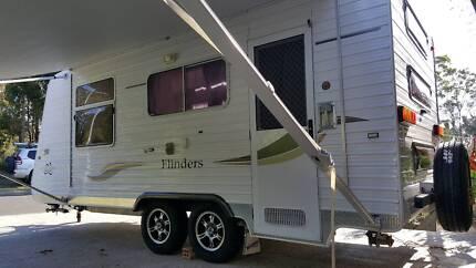2009 Vanguard Caravan 18ft Tripple Bunk