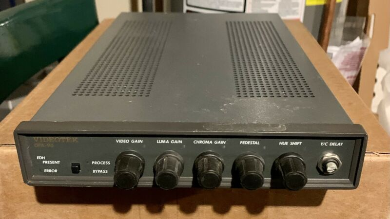 Harris Videotek DPA-90 Digital Processing Amplifier Tested For Performance.
