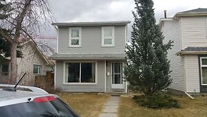 Millrise house for rent !!