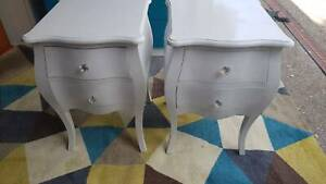 PAIR OF WHITE FRENCH PROVINCIAL TIMBER BEDSIDE TABLES /2 DRAWERS/