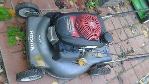 Honda gas lawnmower