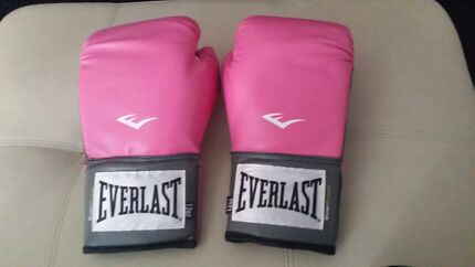 Everlast pink boxing gloves Erskine Park Penrith Area Preview