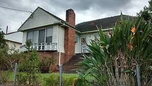 Student accommodation. Spacious 4-bedroom house. Close to Uni. North Lambton Newcastle Area Preview